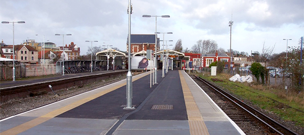 1208-Trainstation Platforms Main