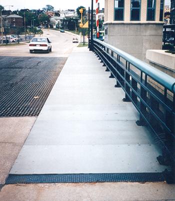 1001-MilwaukeeLiftBridgeWalkway-Detail